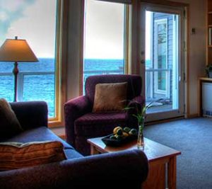 Bluefin Bay Studio and Economy