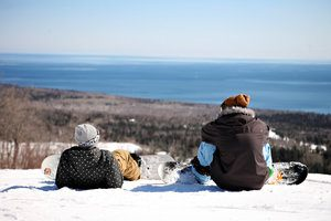 snowboarders at lutsen mountains